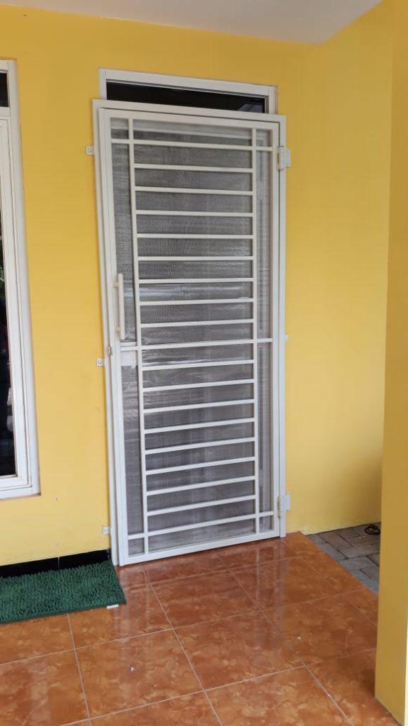 Pintu Double Minimalis Kasa Nyamuk Semarang