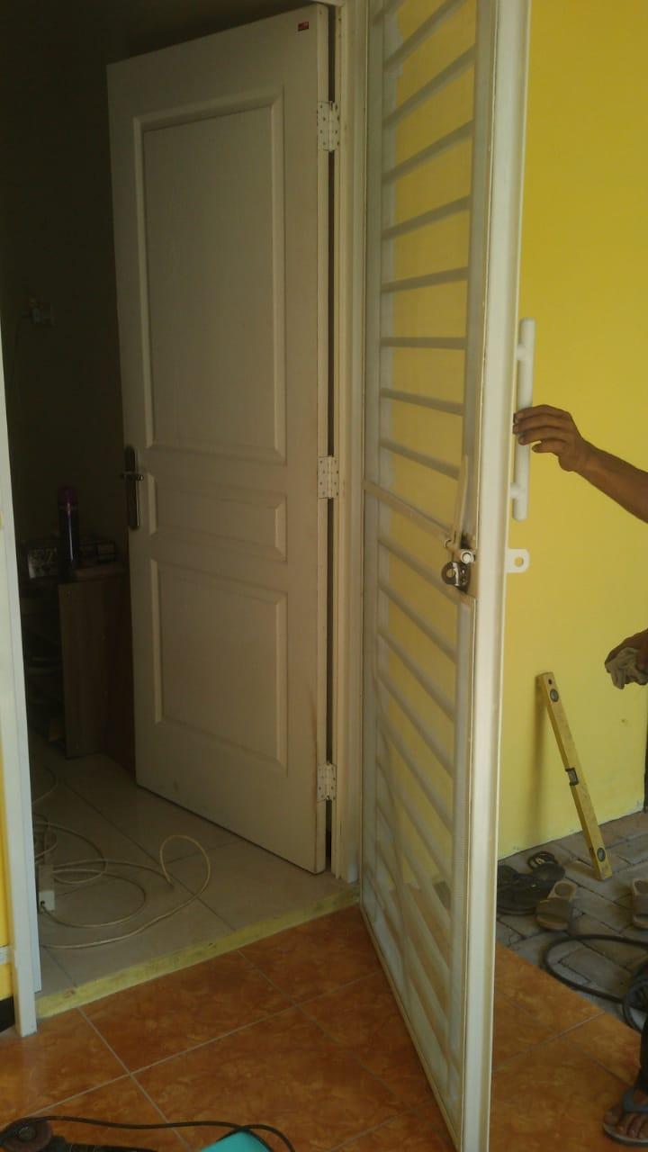 Pintu Double Minimalis Kasa Nyamuk - bengkellasbarokah.com