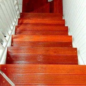 bengkel las tangga besi minimalis pijakan papan motif semarang